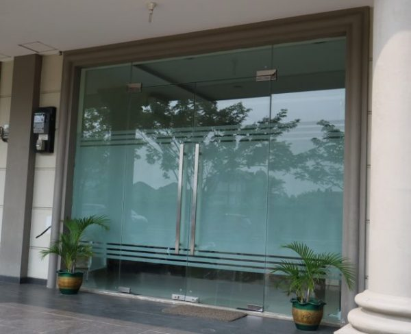 tempered glass pintu kaca
